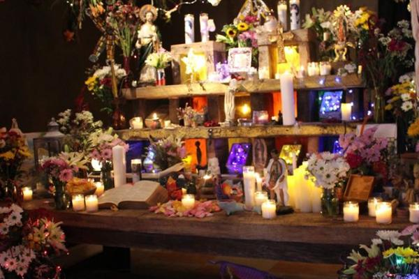 la Ofrenda altar installation by César Viveros with inspiration and input from members of South Philadelphia's Mexican community
